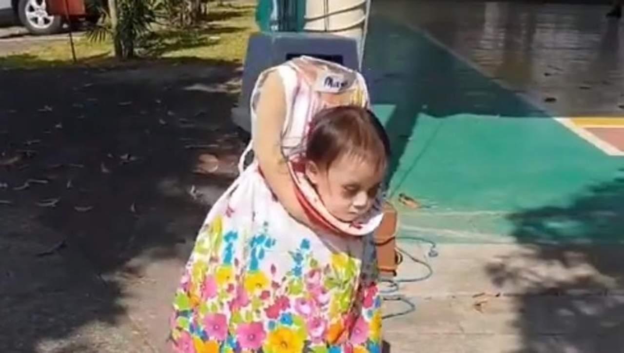 Viral Nina Sin Cabeza Aterroriza A La Red - Disfraces-sin-cabeza