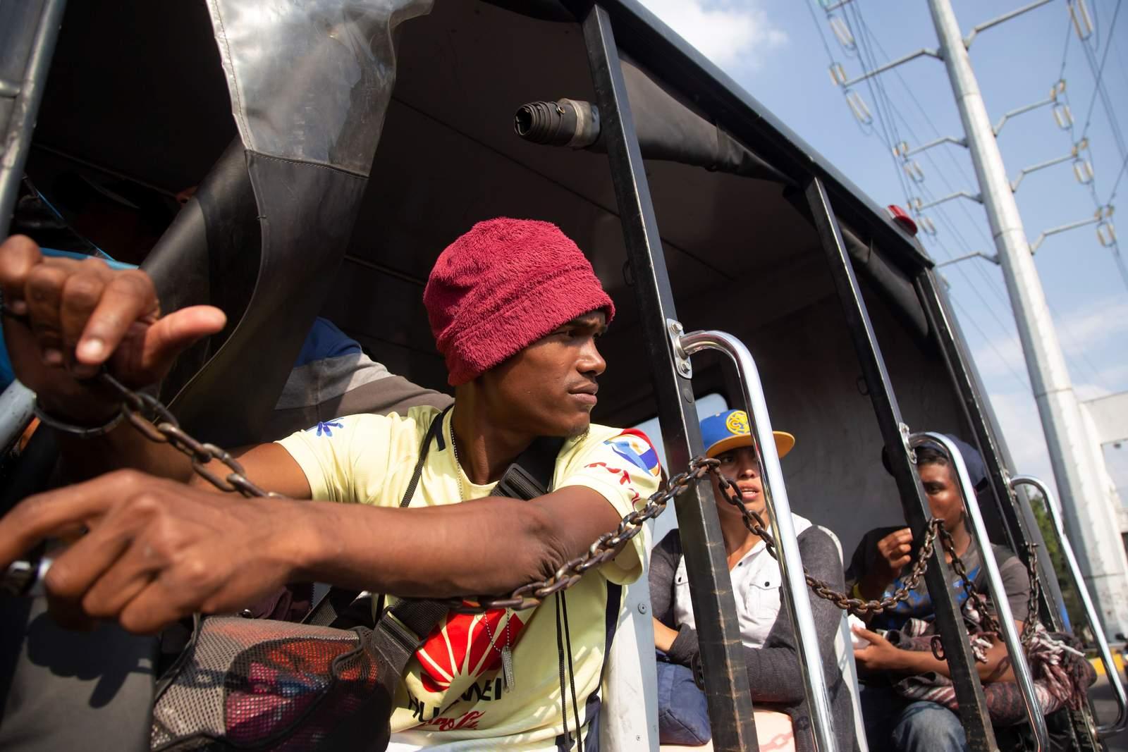 Senado pide a autoridades transporte para caravana. Noticias en tiempo real