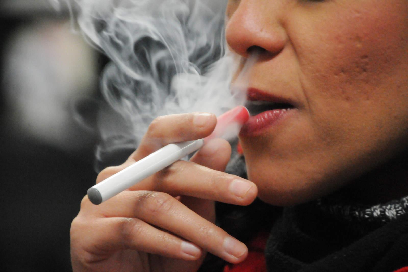Anuncia EU medidas para regular cigarrillos electrónicos. Noticias en tiempo real
