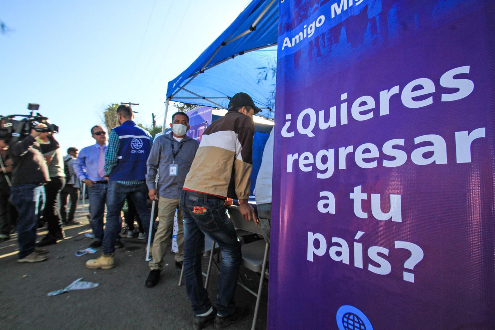 Migrantes se dividen entre quienes vuelven y quienes van a EU. Noticias en tiempo real