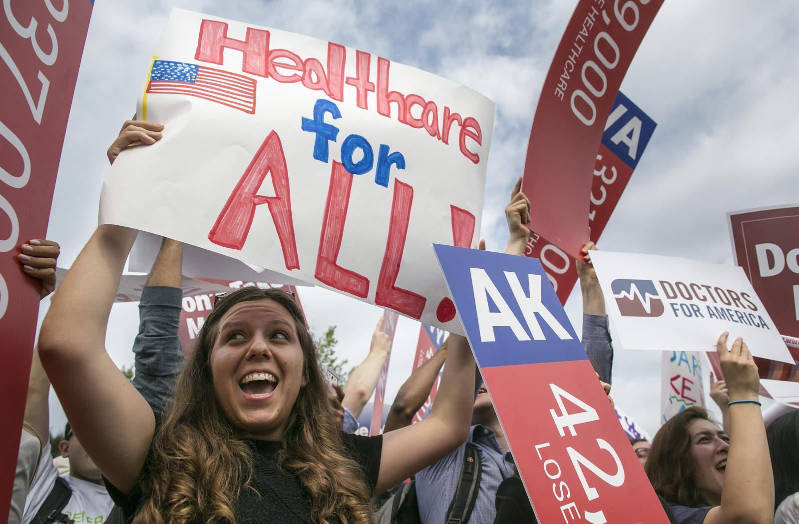Juez declara inconstitucional la ley de salud 'Obamacare'