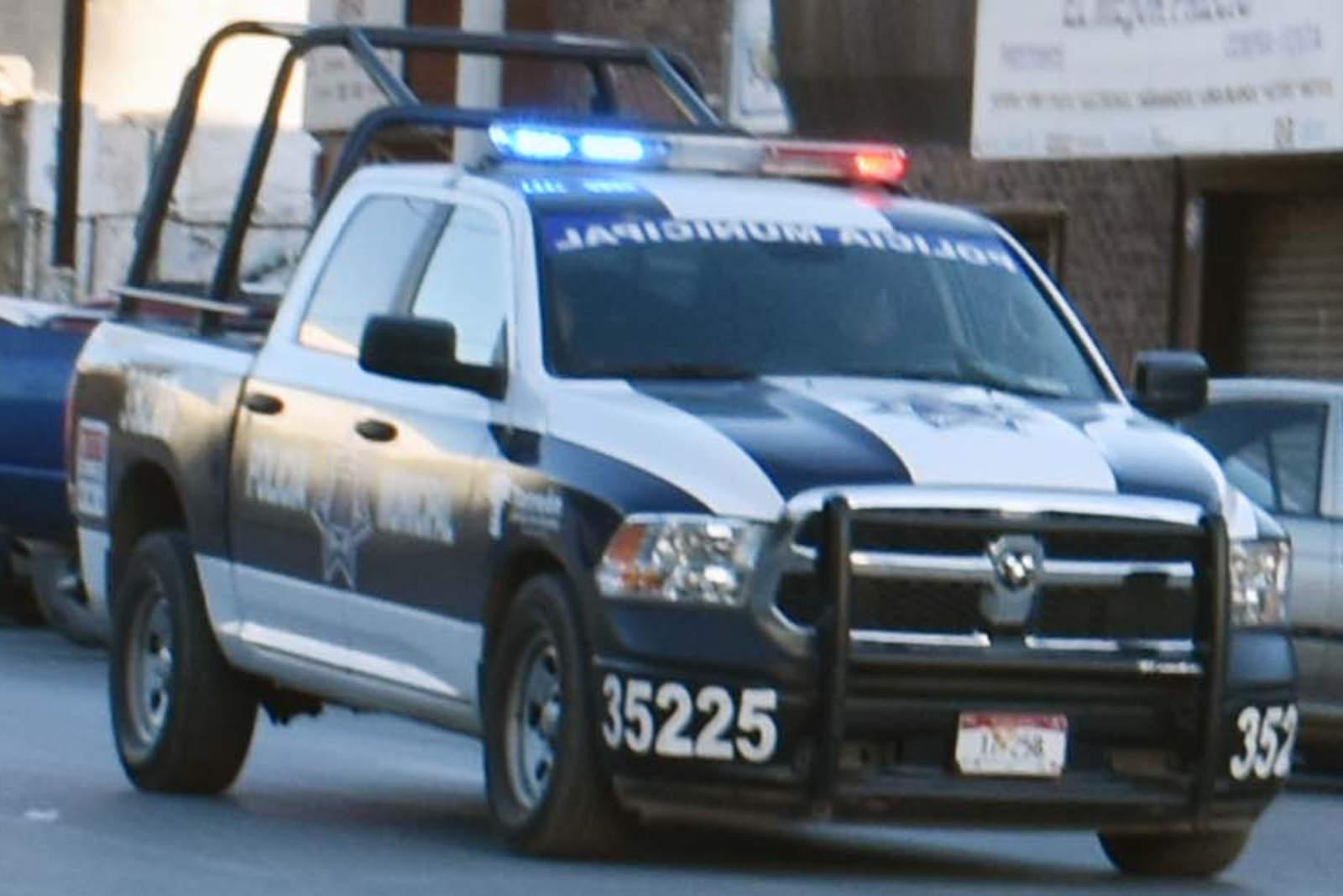 Vehículo a alta velocidad provoca movilización policiaca