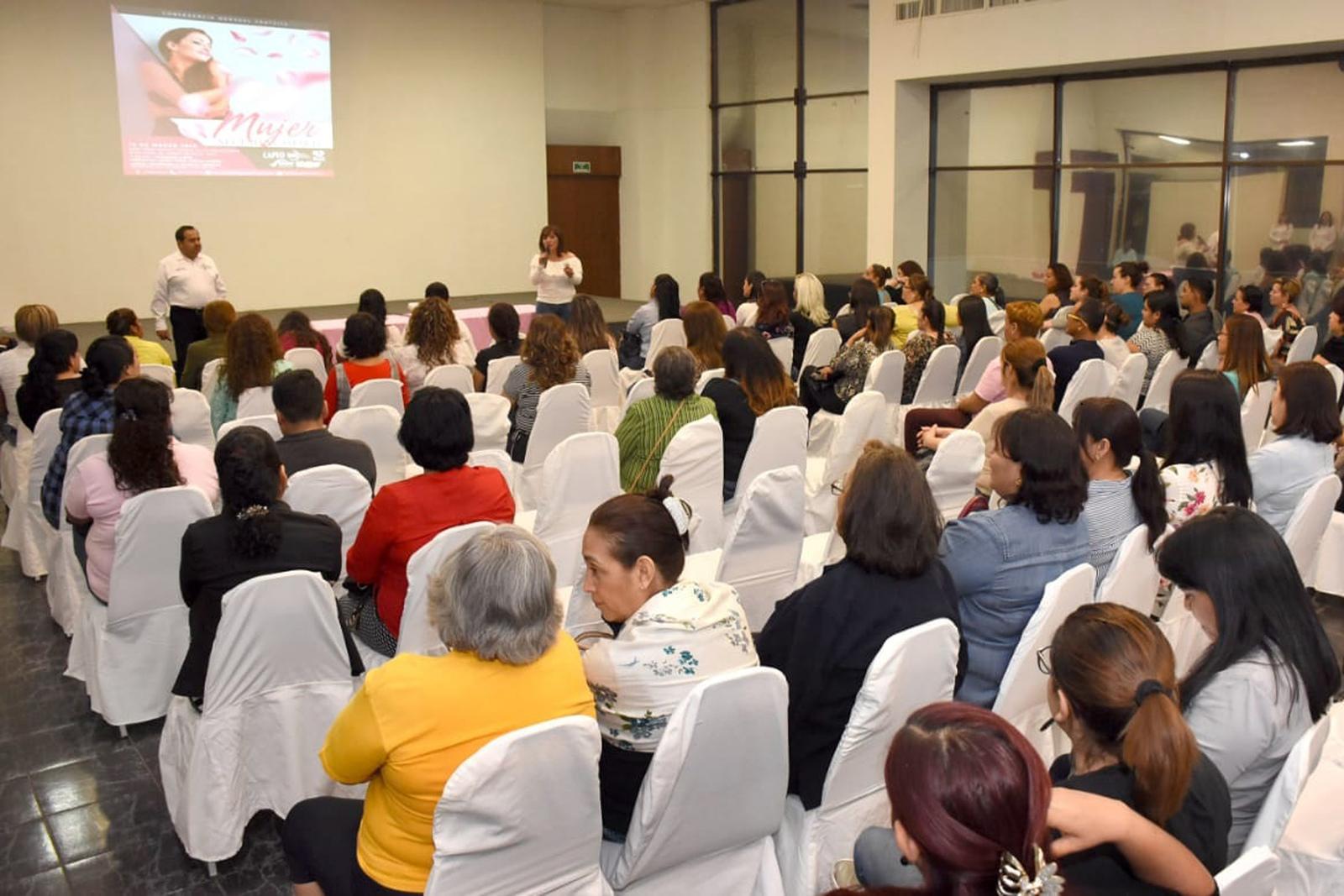 Mujeres Recibirán Serie De Conferencias El Siglo De Torreón