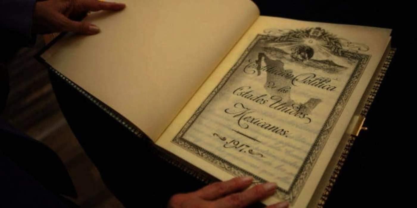 Constitución Política de los Estados ...