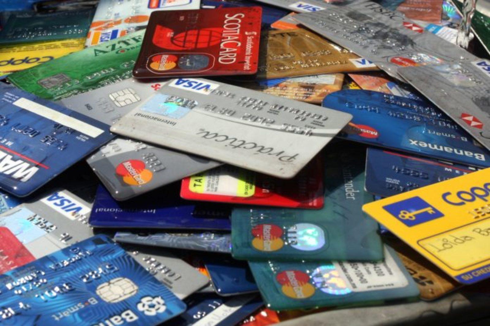 Bajar efectivo, reto de los bancos: Everis. Noticias en tiempo real