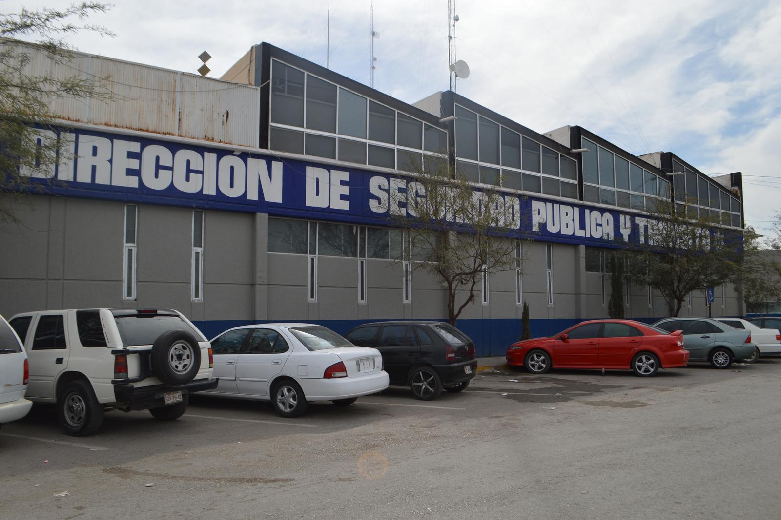El director de la DSPM en Gómez Palacio afirmó que el operativo contra los  polarizados en automóviles es para evitar que se cometan diversos delitos,  ... a3e258bb90