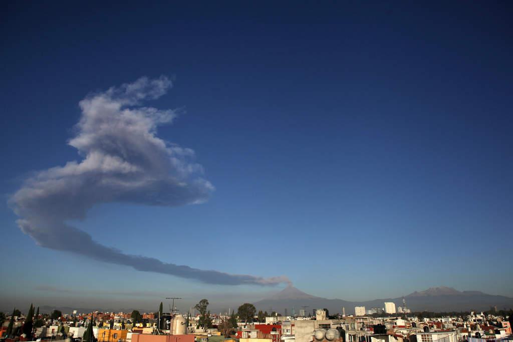 Mañana, clases normales en Puebla en comunidades cercanas al Popocatépetl. Noticias en tiempo real