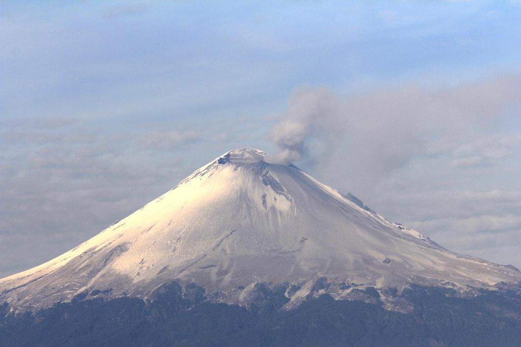 Reportan ligera actividad en el volcán Popocatépetl. Noticias en tiempo real
