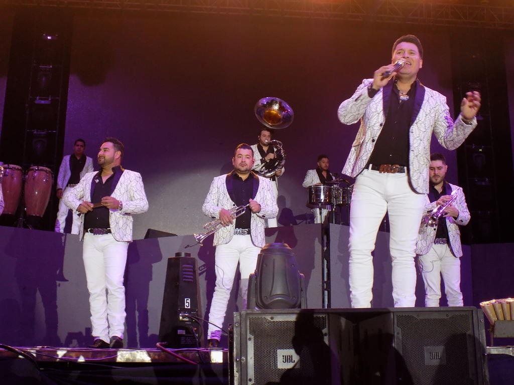 Banda MS congrega a miles en la Feria de Torreón. Noticias en tiempo real