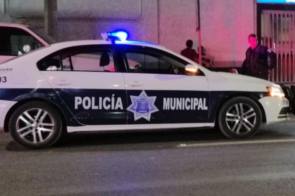 Automovilista choca contra protecciones del Nudo Mixteco. Noticias en tiempo real