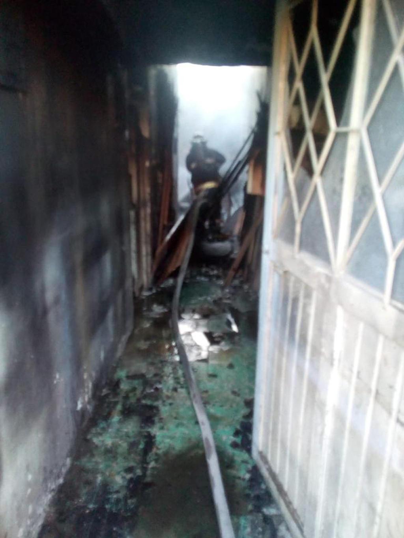 Incendio deja sólo daños materiales