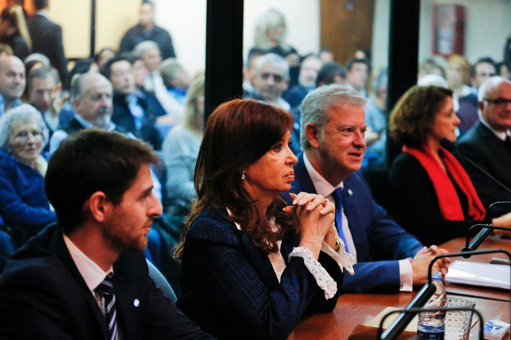 Inicia primer juicio por corrupción contra expresidenta Cristina Fernández. Noticias en tiempo real