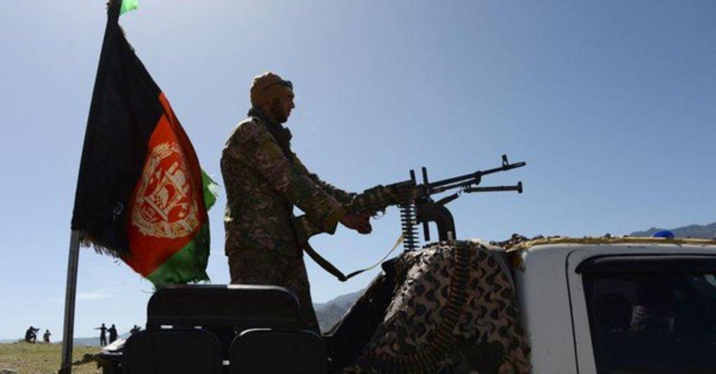 Matan talibanes a cuatro personas