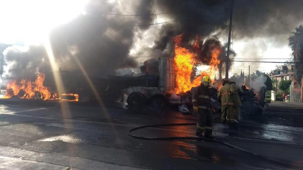 Confirma gobierno cinco fallecidos en accidente de Morelos. Noticias en tiempo real