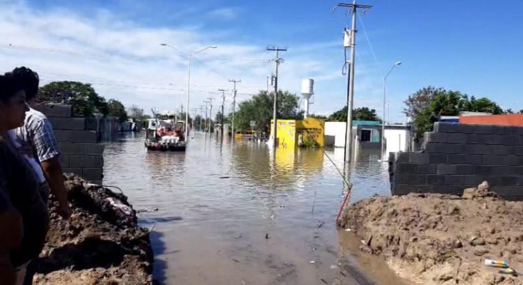 Bloquean carretera Reynosa-San Fernando por inundación. Noticias en tiempo real