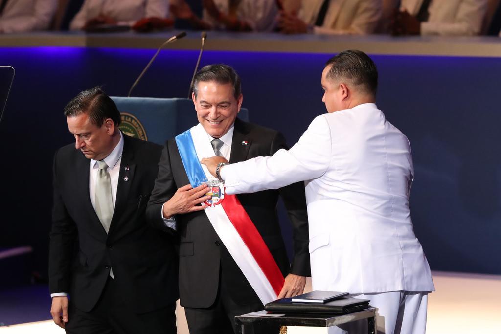 Asume Cortizo como presidente de Panamá con grandes desafíos. Noticias en tiempo real