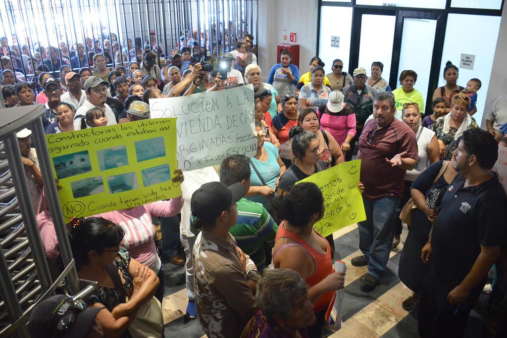 Antorchistas vuelven a manifestarse en Torreón. Noticias en tiempo real