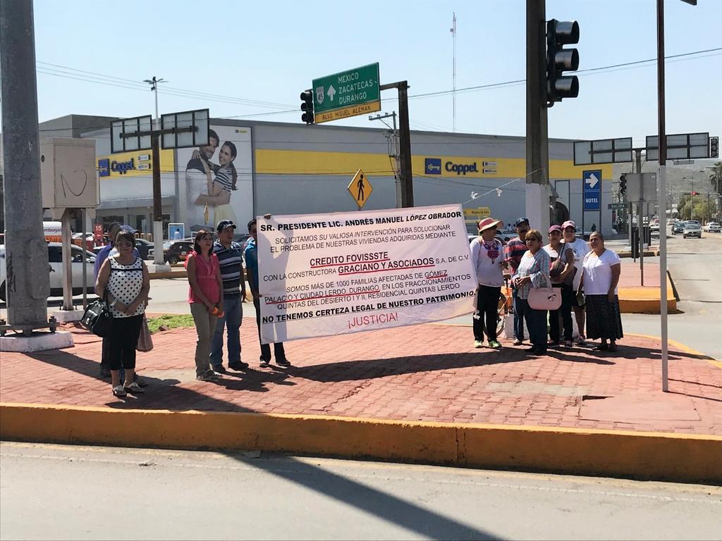 Protestan por presunto fraude de constructora en Gómez Palacio y Lerdo. Noticias en tiempo real
