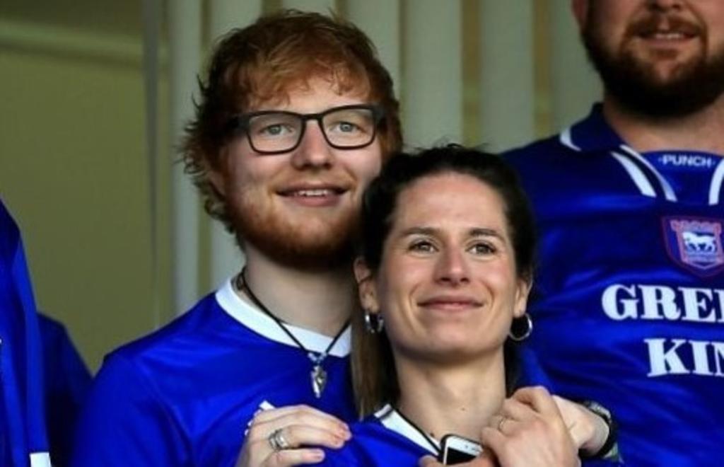 Ed Sheeran confirma que se casó con su mejor amiga. Noticias en tiempo real