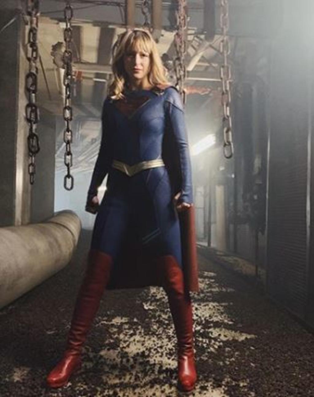 Supergirl cambia de traje. Noticias en tiempo real