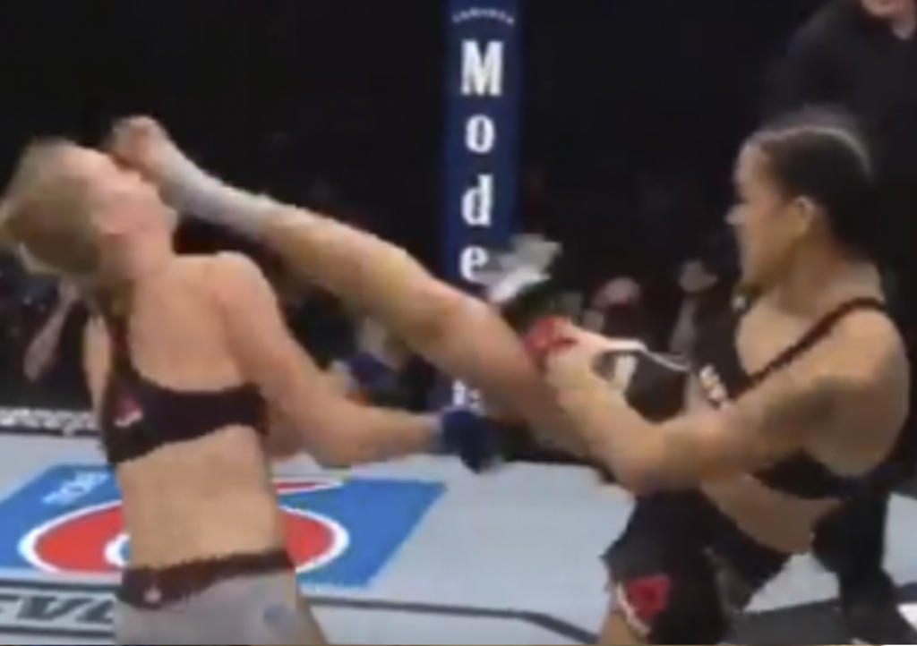 Luchadora de MMA noquea a contrincante en primer round. Noticias en tiempo real