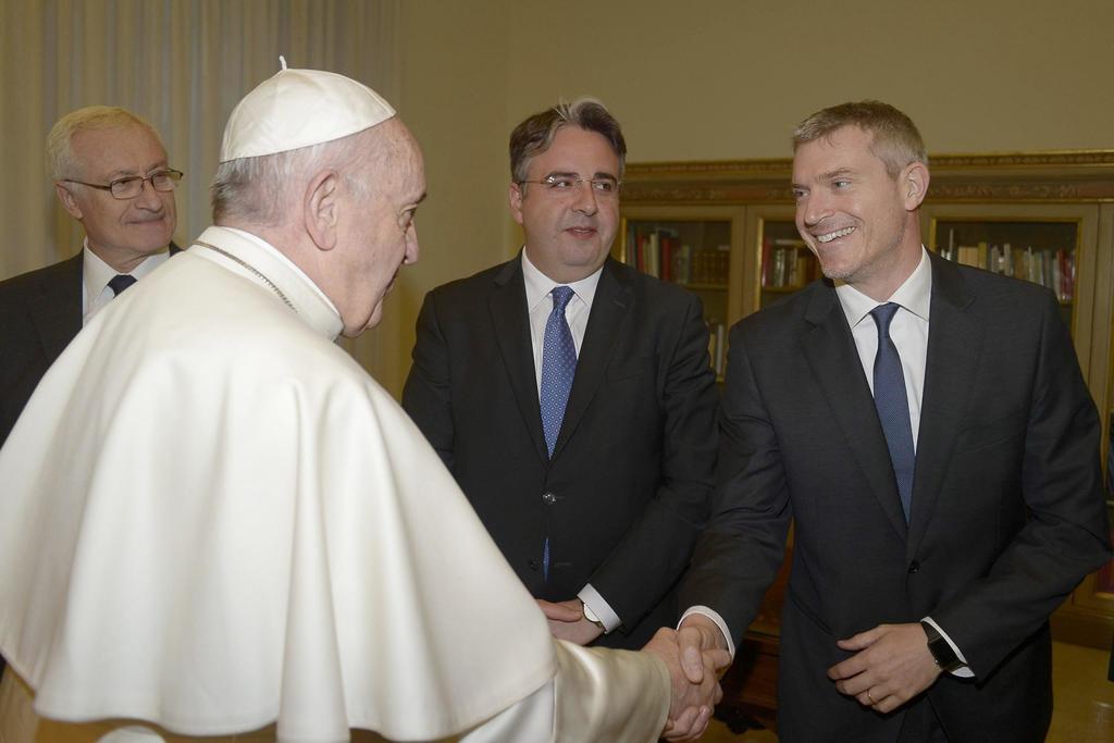 Vaticano cambia de nuevo a portavoz; nombra al italiano Matteo Bruni. Noticias en tiempo real