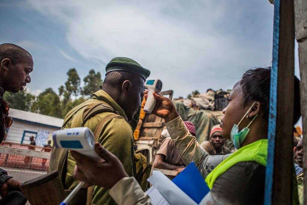 Militares y policía del Congo intensifican medidas contra ébola. Noticias en tiempo real