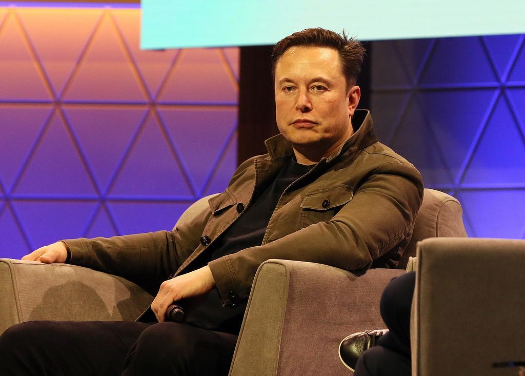 Microsoft invierte mil mdd en OpenAI, cofundada por Elon Musk. Noticias en tiempo real