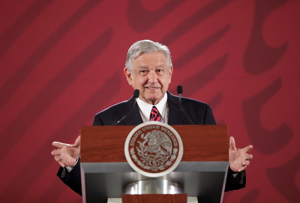 López Obrador celebra definición de empresas que construirán refinería. Noticias en tiempo real