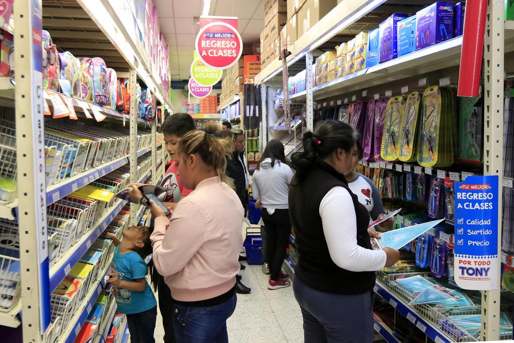 Vigila Procuraduría del Consumidor precios de útiles escolares