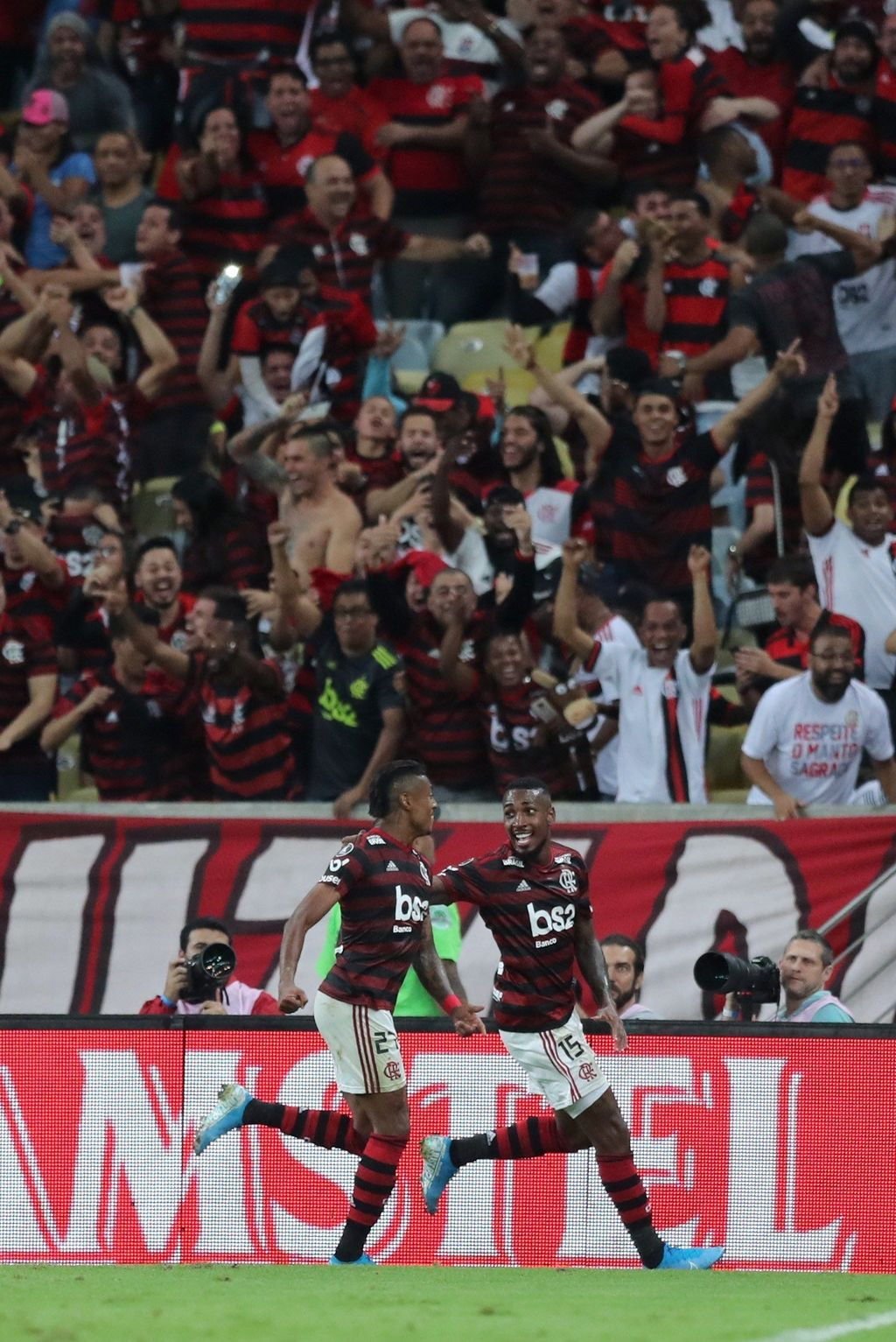 Flamengo se impone como local al Internacional