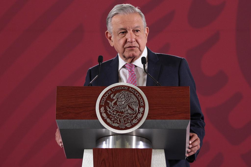 Asegura AMLO que no cederá ante amparos contra Santa Lucía. Noticias en tiempo real