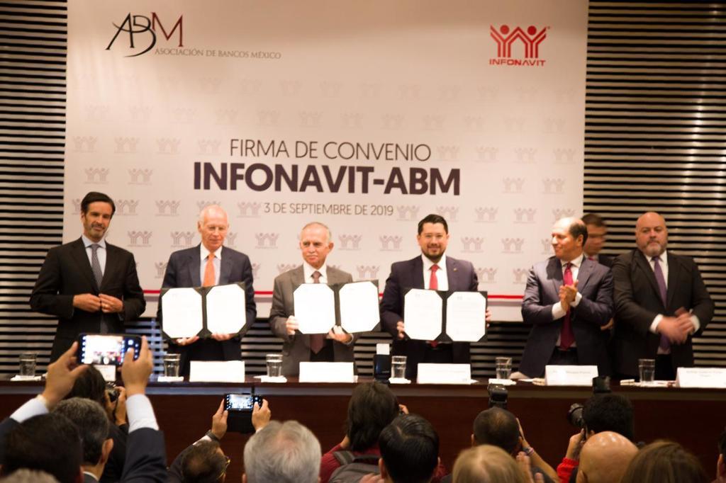 Firman convenio Infonavit y la ABM para mejorar condiciones de créditos. Noticias en tiempo real