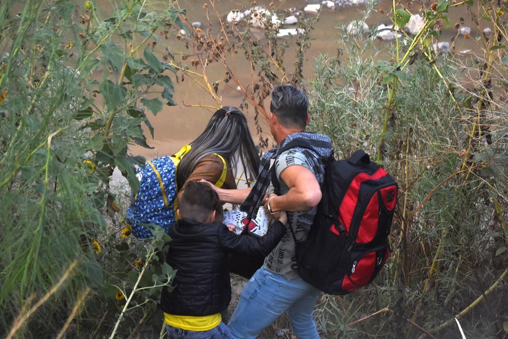 Suspende tribunal fallo que bloqueó normas de asilo de Trump. Noticias en tiempo real