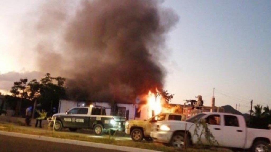Muere niño tras incendio provocado por grupo armado en Sonora. Noticias en tiempo real