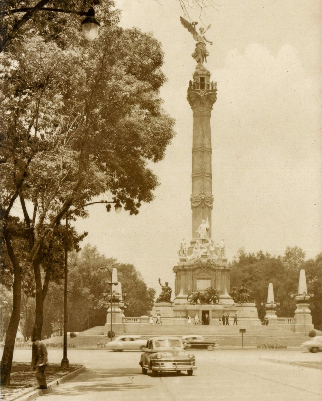 Monumento que homenajea a la Independencia. Noticias en tiempo real