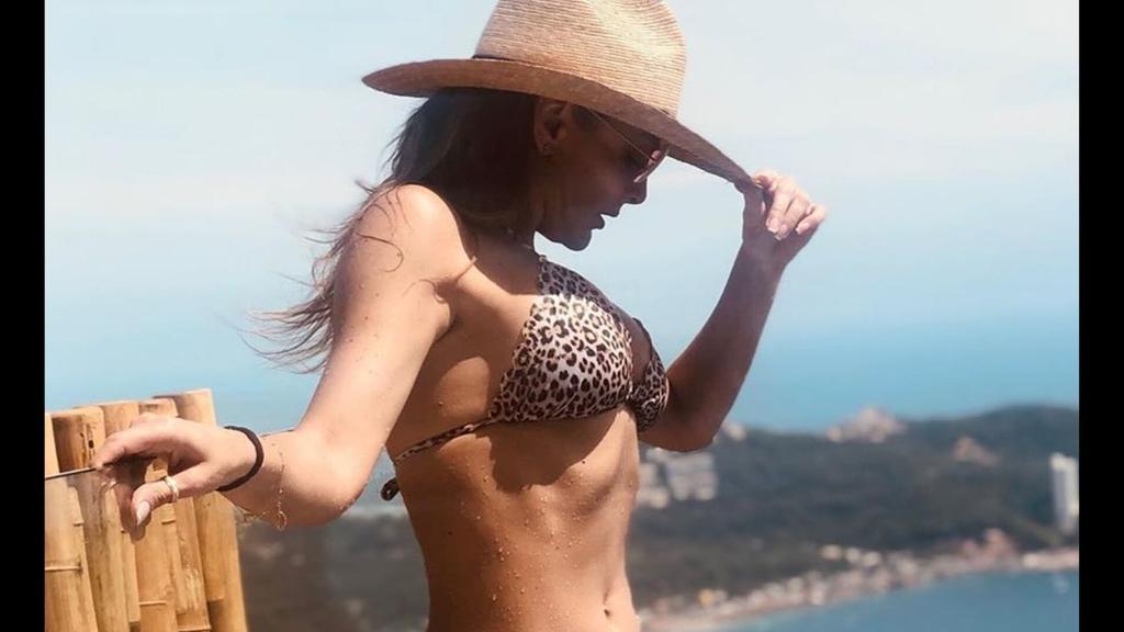Marjorie de Sousa presume sus bronceadas curvas en bikini. Noticias en tiempo real