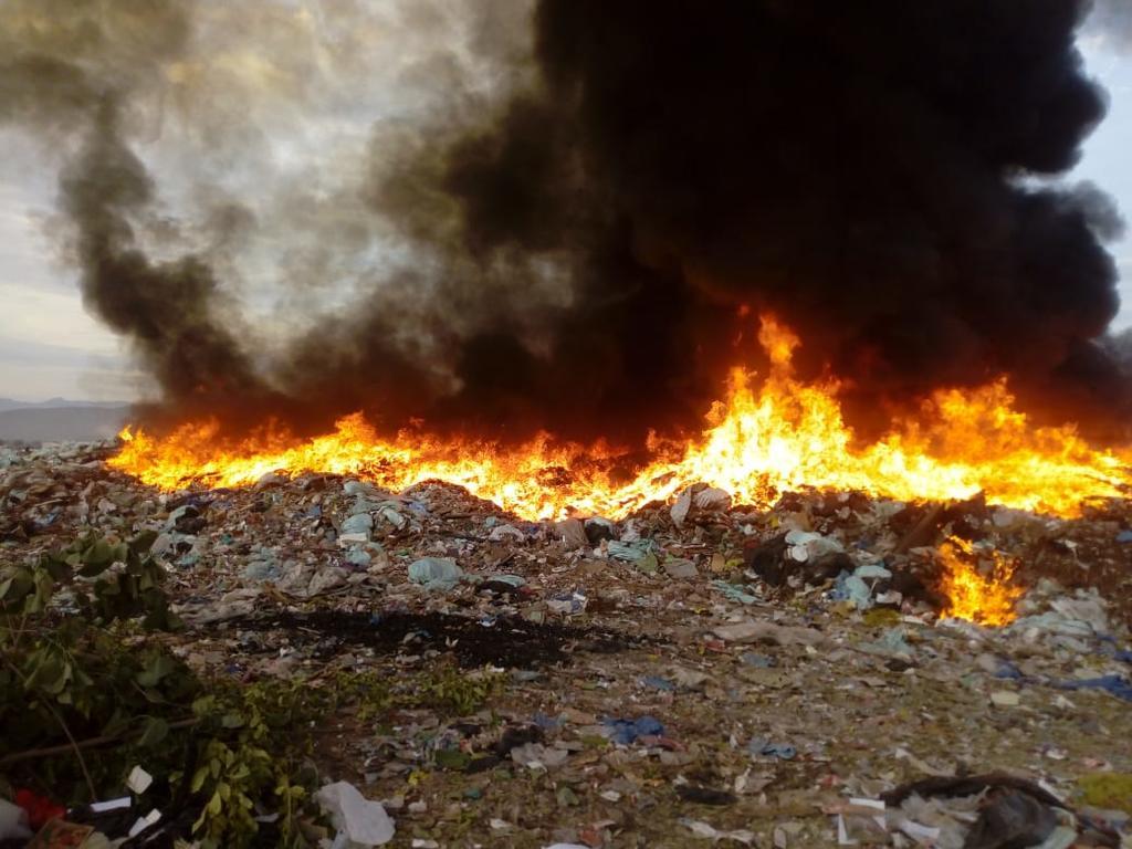 Se incendia relleno sanitario en Gómez Palacio. Noticias en tiempo real