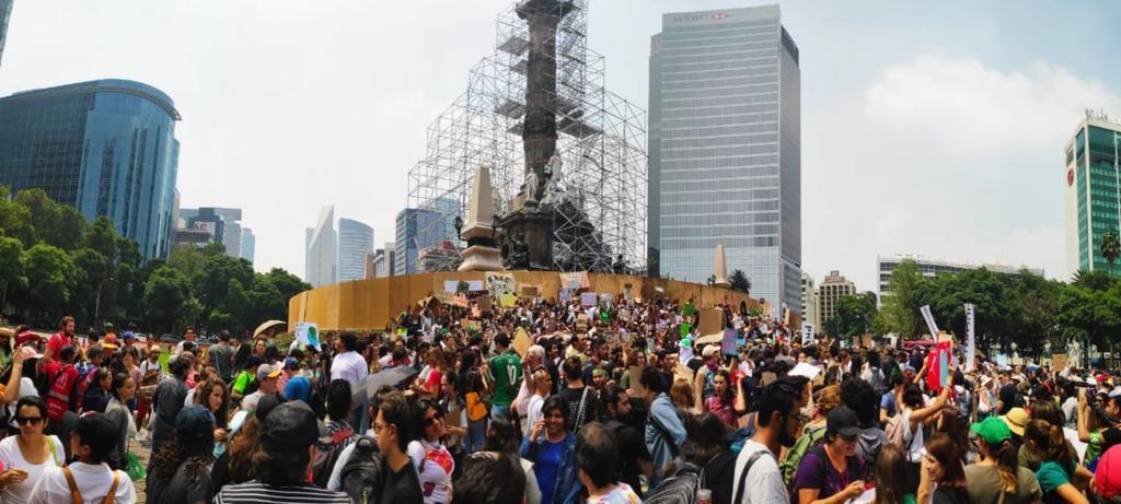 Jóvenes piden a AMLO que declare una emergencia climática. Noticias en tiempo real