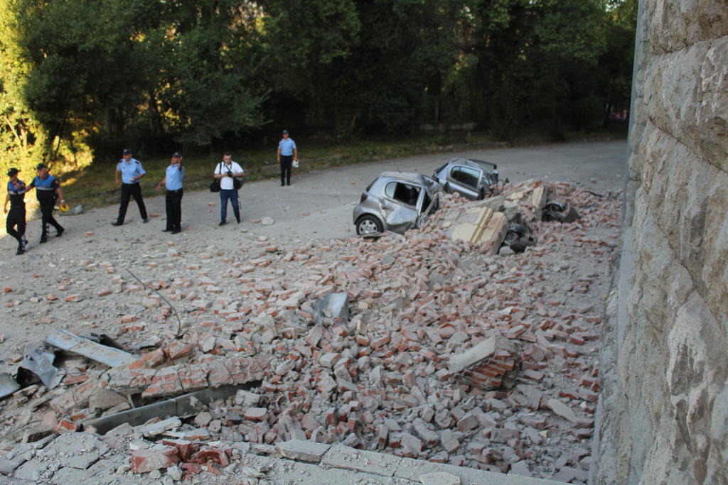 Registran sismo magnitud 5.8 en Albania; hay al menos 105 lesionados. Noticias en tiempo real