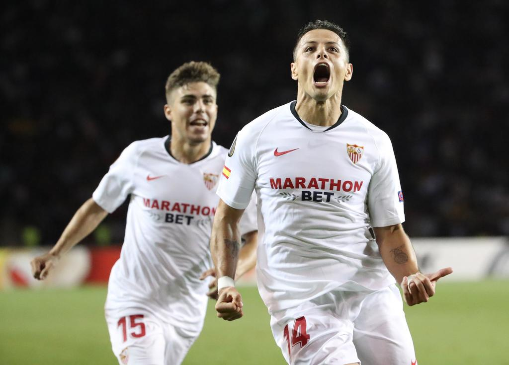 Chicharito vuelve a anotar con Sevilla en la Europa League