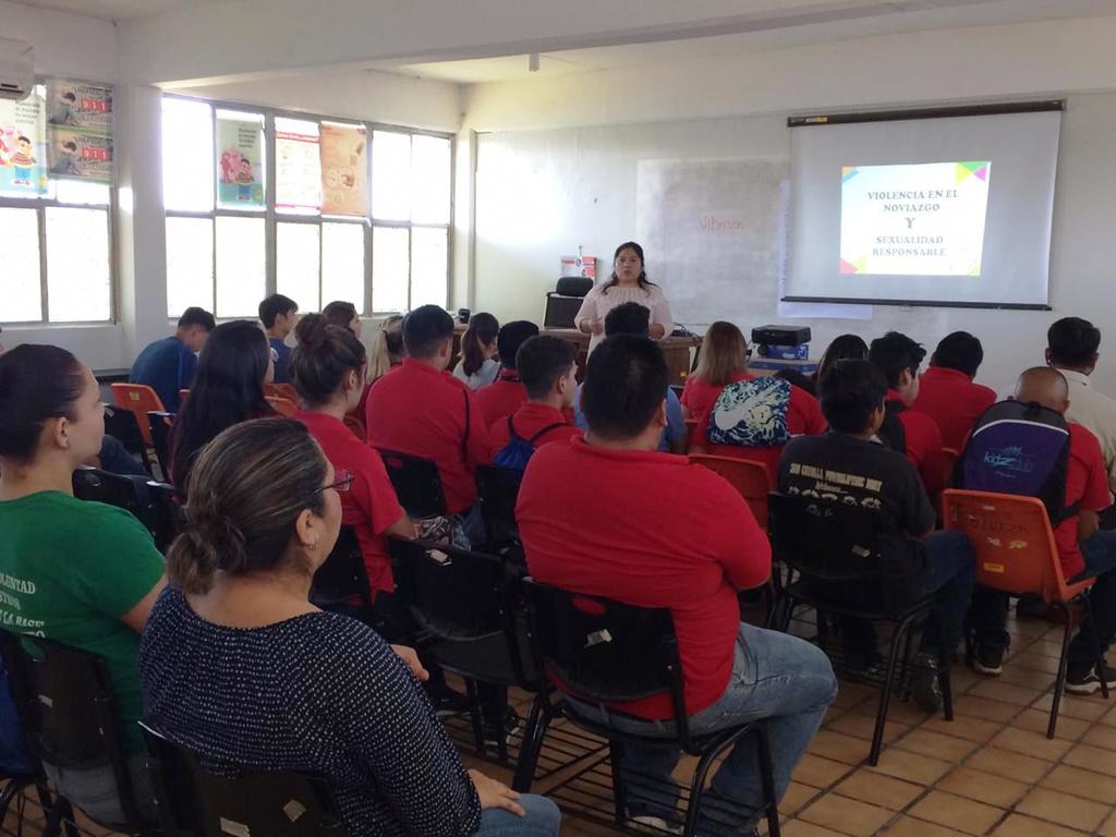 Con pláticas informativas buscan prevenir la violencia