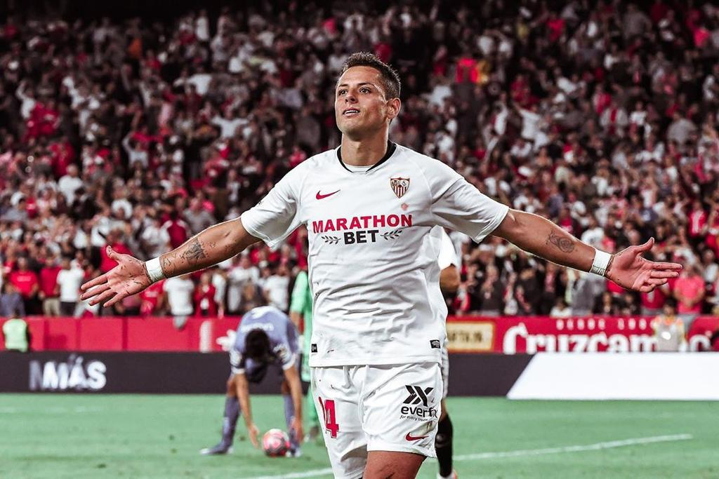 Reportan intento de robo en casa de Chicharito