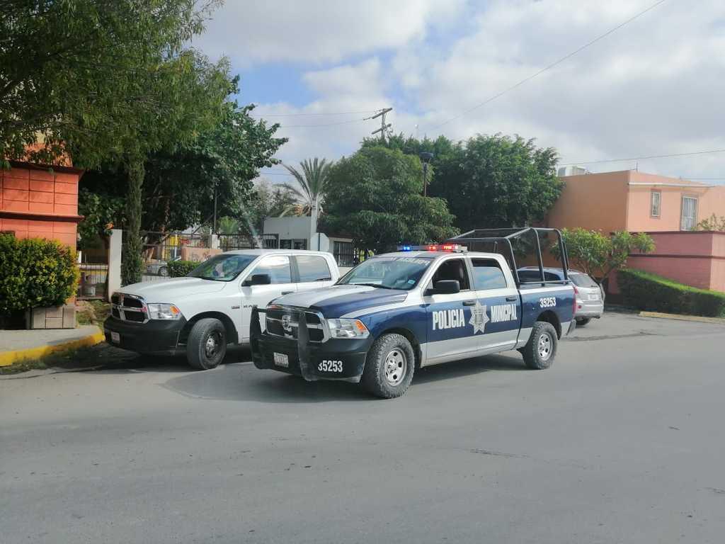Despojan a hombre de unidad y lo hieren en Torreón