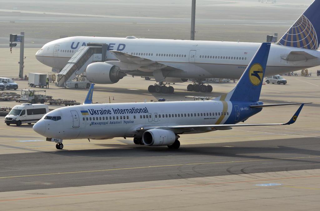 Resultado de imagen para Aerolíneas comerciales reajustan rutas EEUU-Irán