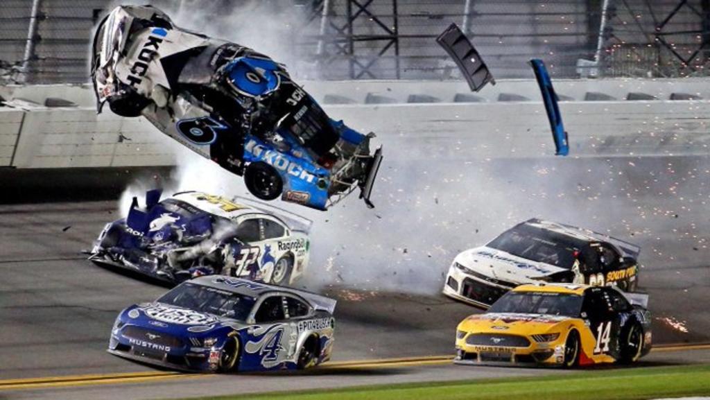 Aparatoso accidente en las 500 millas de Daytona. Noticias en tiempo real