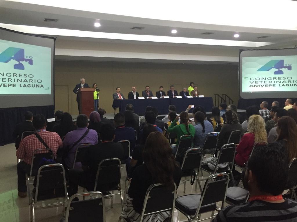 Realizan congreso de veterinarios en Torreón