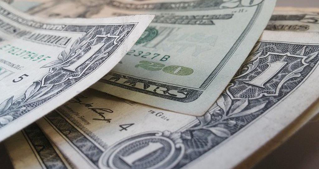 Cierra peso con recuperación frente al dólar. Noticias en tiempo real