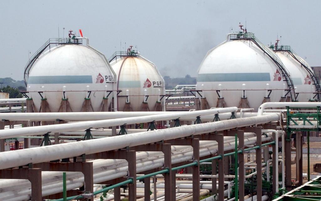 Petróleo mexicano se hunde 8.9 por ciento; barril se vende en 18.66 dólares. Noticias en tiempo real