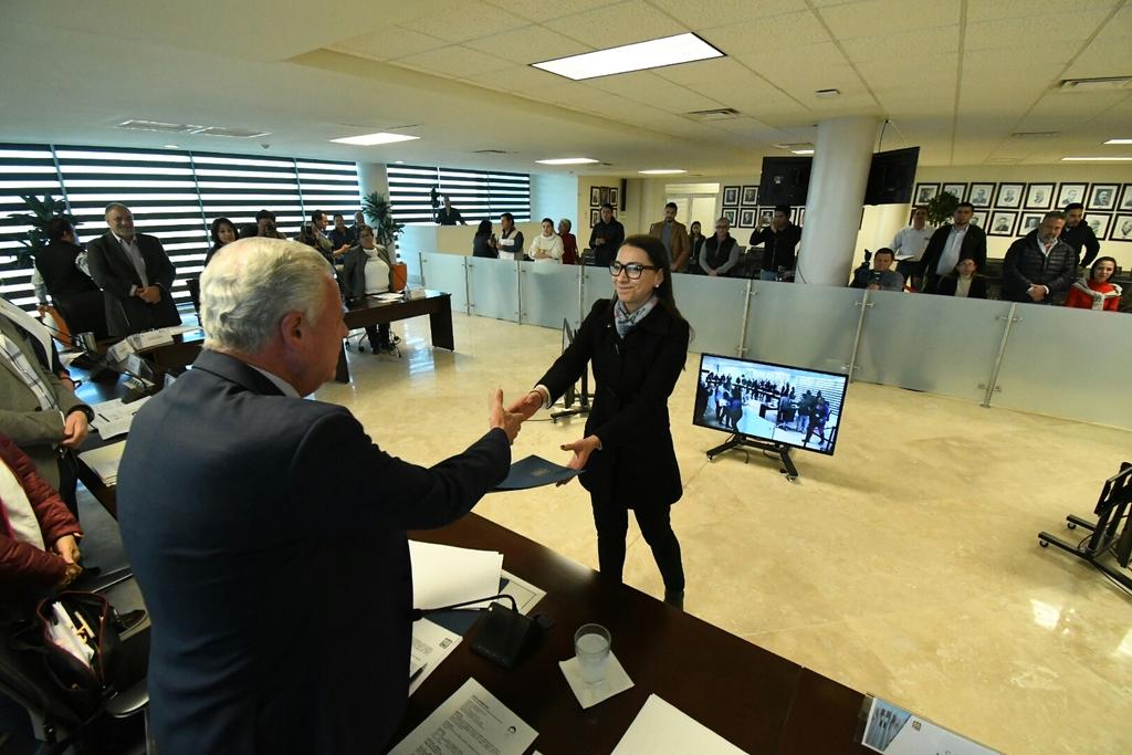 Tras tres meses, Cinthia Romero deja oficina de Pensiones en Torreón